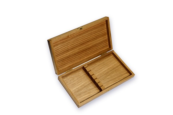 Collector's wooden box for 2 knives